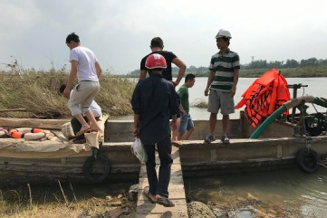 Quảng Ngãi bố trí đò miễn phí cho người dân ốc đảo An Phú