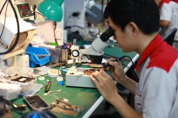 Trường Plus tuyển dụng thợ ép kính sửa chữa điện thoại
