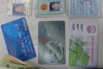 Nhặt được ví có tiền