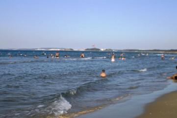 Tắm biển, 2 em học sinh chết đuối