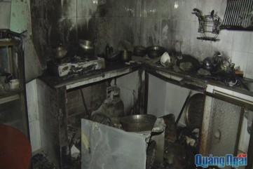 TP.Quảng Ngãi: Đốt bình gas tự tử, nhưng thiêu rụi tài sản trong nhà